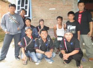 Tim ACK Peduli mengunjungi korban longsor di desa Kaligending, kec. Karangsambung.